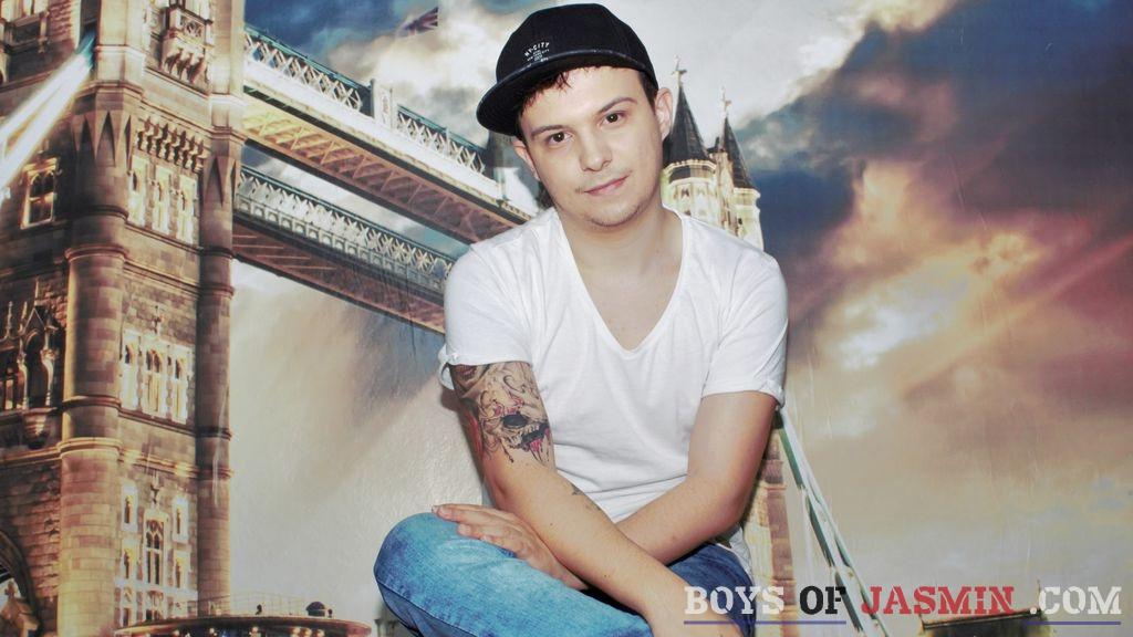AndrewCox's profile from LiveJasmin at BoysOfJasmin'