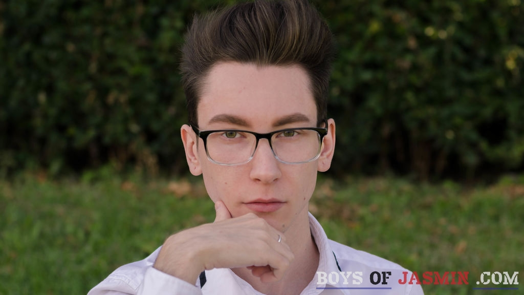 MaxAugust's profile from LiveJasmin at BoysOfJasmin'