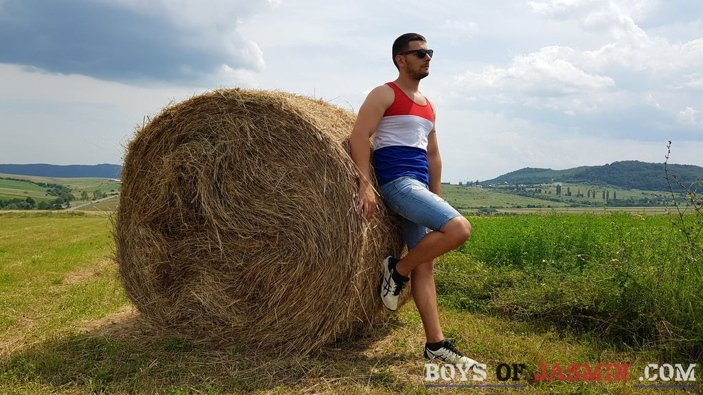 Jimsexyhairy's profile from LiveJasmin at BoysOfJasmin'