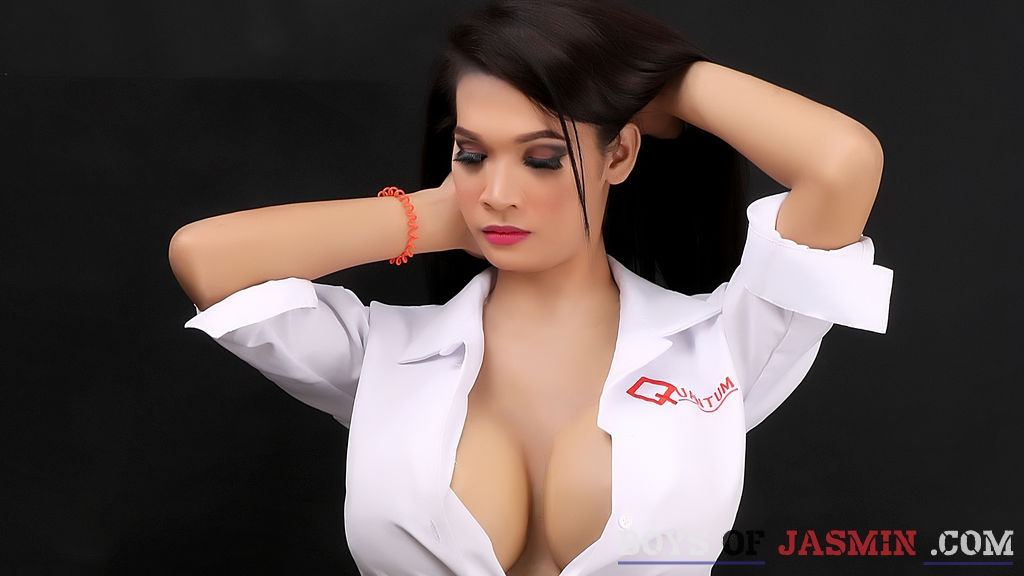 QueenYhuriexx's profile from LiveJasmin at BoysOfJasmin'