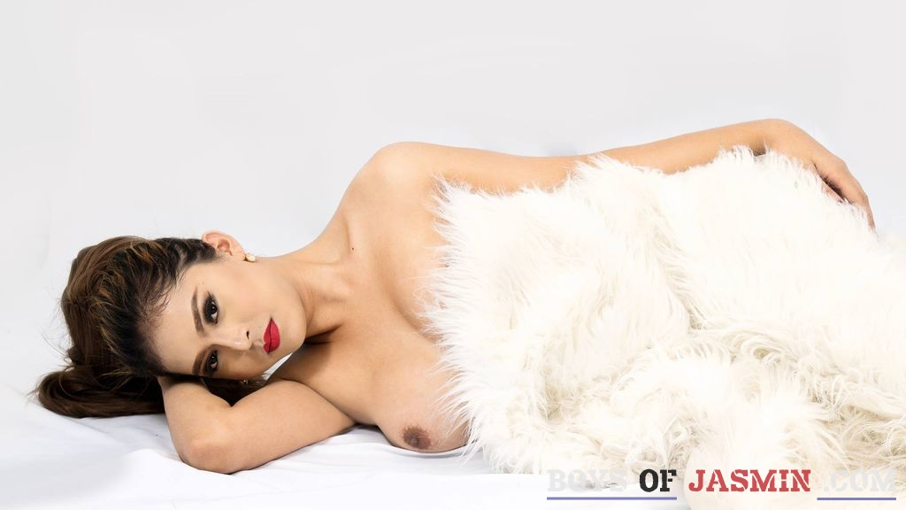 GloriousAnne's profile from LiveJasmin at BoysOfJasmin'