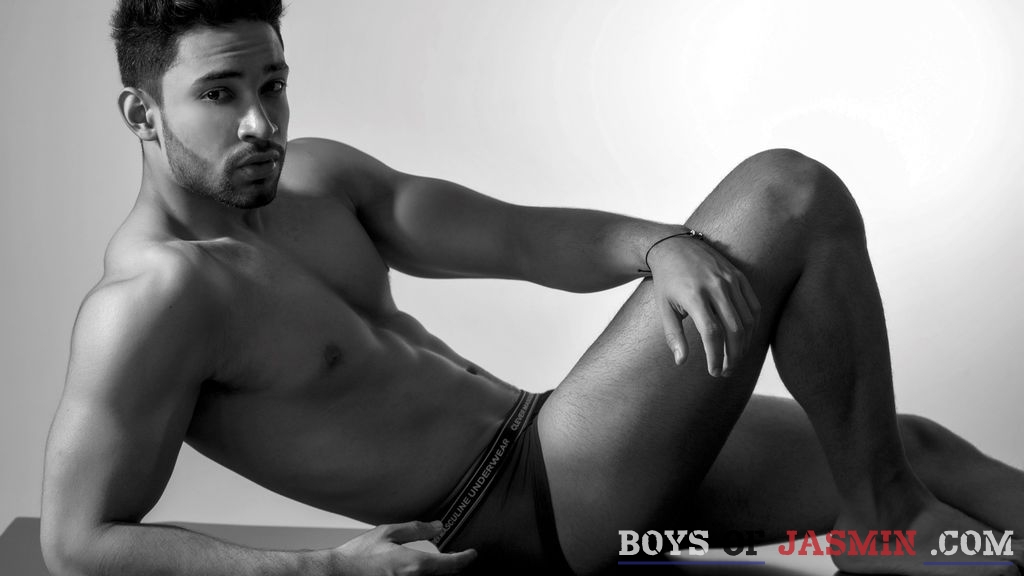 DominicRoss's profile from LiveJasmin at BoysOfJasmin'