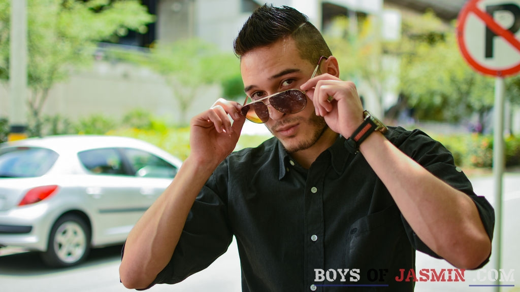 JamesBeen's profile from LiveJasmin at BoysOfJasmin'
